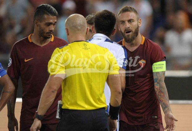 Roma-Porto 0-3, Roma folle e irriconoscibile: addio alla Champions