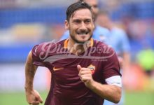 """In edicola il nuovo numero de """"La Roma"""": Totti in copertina per i suoi 40"""