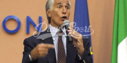 """Roma 2024, """"buca"""" della Raggi a Malagò: è bufera (FOTO)"""