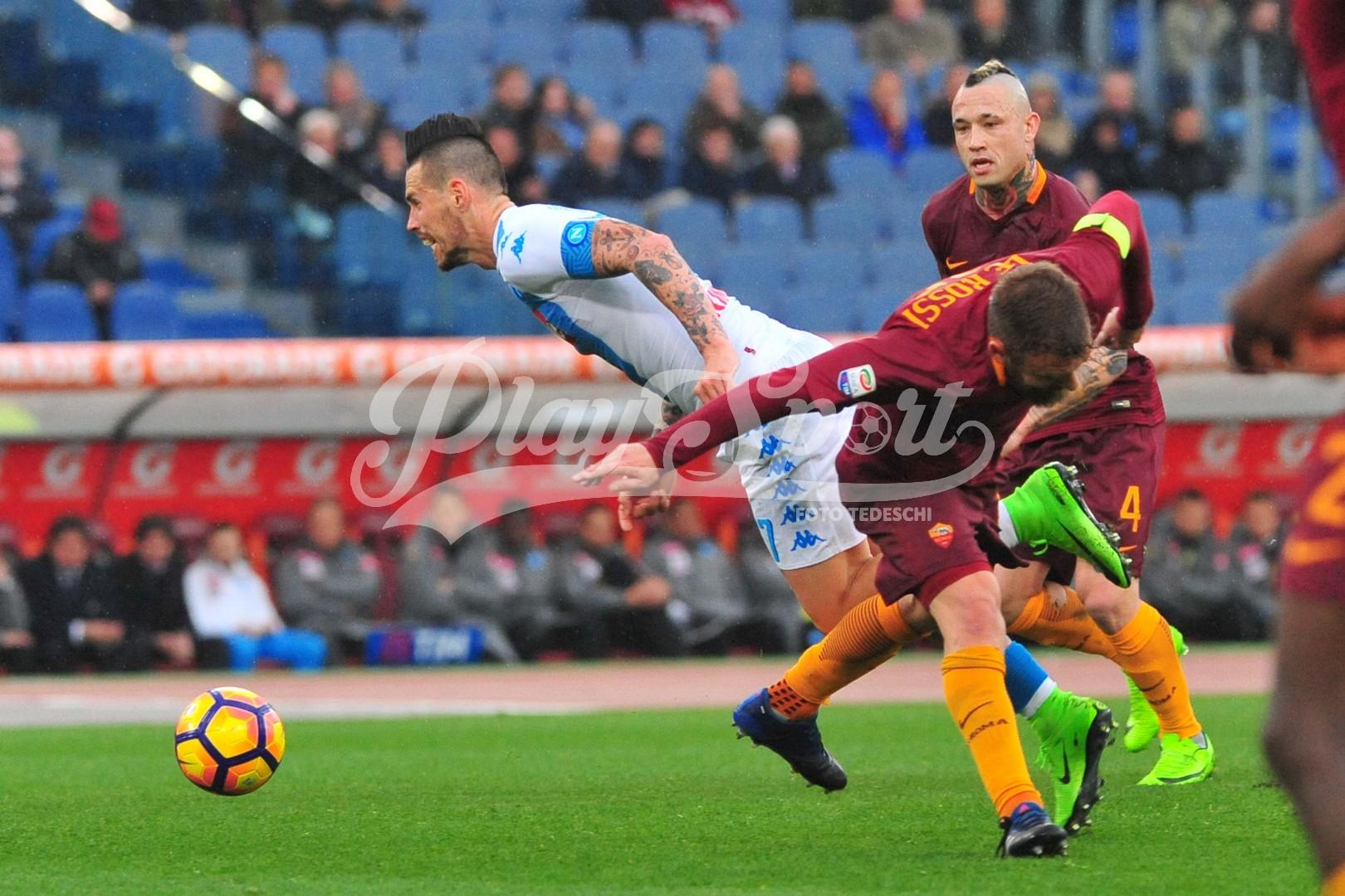 Debacle Roma, il Napoli vince 2-1 all'Olimpico con Mertens e Reina (FOTO)