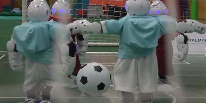 Derby, che antipasto! Roma-Lazio giocata da robot umanoidi !!!!! (VIDEO)