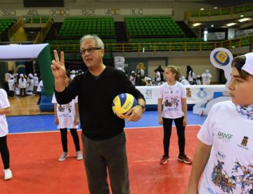 "Volley, Julio Velasco con tremila bambini per ""Gioca Volley S3…In Sicurezza"""