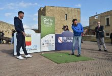 "Golf, Road to Rome 2022: A Napoli De Magistris lancia ""Golf in Piazza"""