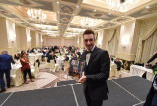 Ciclismo, Elia Viviani premiato alla notte degli Oscar Tuttobici di Milano